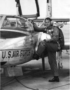 dusty-hopkins-usaf-1971-lt-in-pilot-training-big-spring-texas