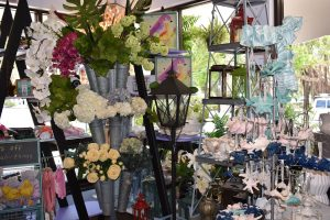 Native Gardens closes after 18 years, Ronica to remain in flower biz 75-percent-off sale at the store this weekend